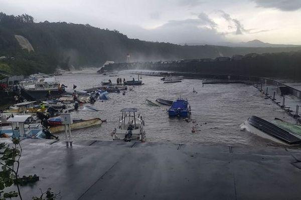 Abri côtier de Sainte-Rose dévasté