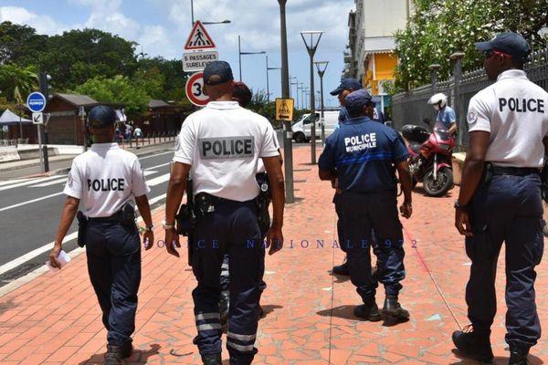 Policiers / police en patrouille
