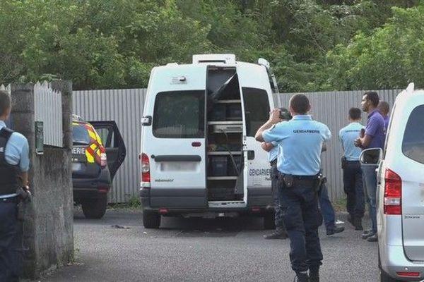 Meurtre Sainte-Anne homme poignardé par femme quartier Petit-Saint-Pierre 090419