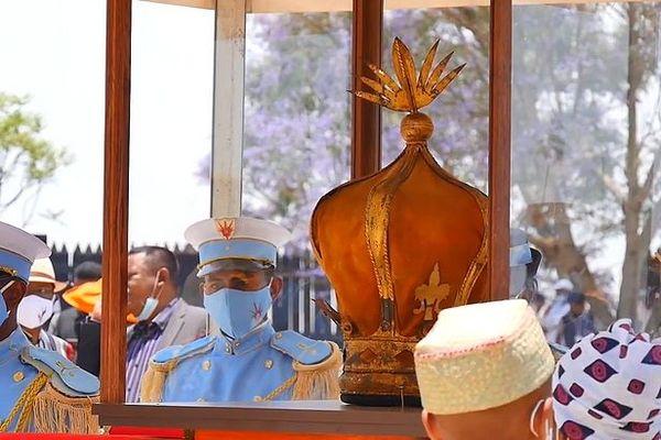 Couronne de Ranavalona III de retour à Madagascar 5 novembre 2020 inauguration du Rova