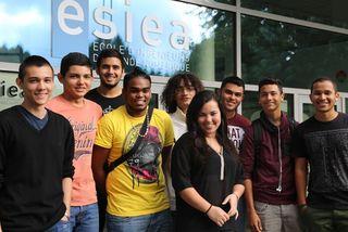 Portraits d'étudiants : les premiers pas de jeunes réunionnais à l'ESIEA, l'école d'ingénieurs de Laval
