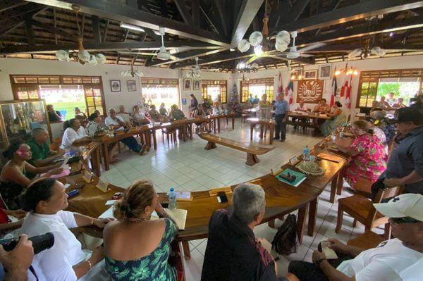 Le conseil municipal de Papara réuni pour élire son tavana