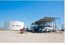 Les opérations de ravitaillement des camions citernes au Terminal Varreux à Port au Prince.