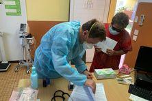 Vaccination à Belep par une équipe médicale de l'armée, le 18 décembre.
