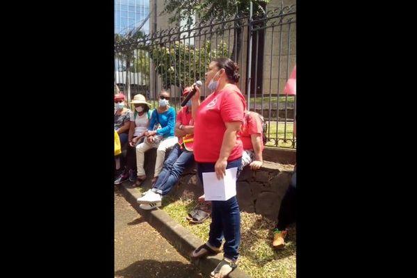 manifestation aides à domicile devant le conseil départemental à Saint-Denis 230921
