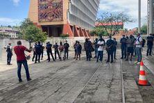 Manifestations des policiers devant le palais de justice de Fort-de-France, le mardi 20 avril 2021