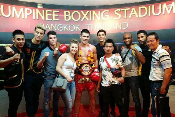 Cédric Do champion ceinture mondiale au Lumpinee stadium de Bangkok (11 mars 2018)