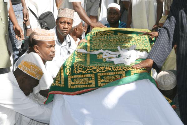 Mayotte : Enterrement de Maoulida Soula