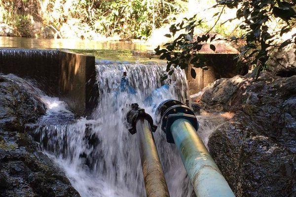 Captage d'eau à Kouaoua