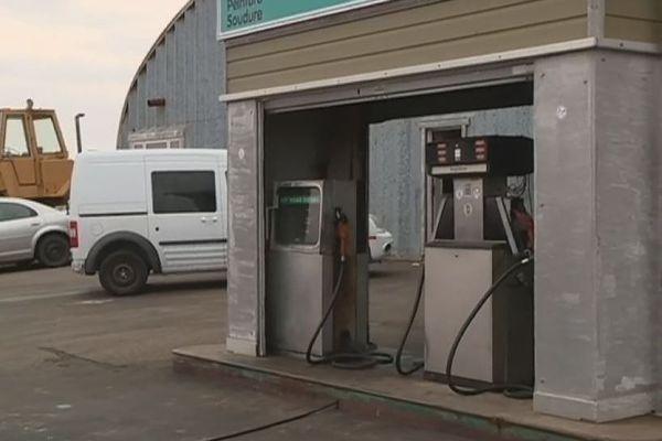 Le village de Miquelon-Langlade sans carburant pendant une journée