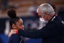 Mélanie de Jesus dos Santos lors de la finale des barres asymétriques au Jeux Olympique de Tokyo.