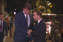 Sébastien Lecornu, ministre des Outre-mer, rencontre Thierry Santa, lors de sa visite en Nouvelle-Calédonie, en octobre 2020.