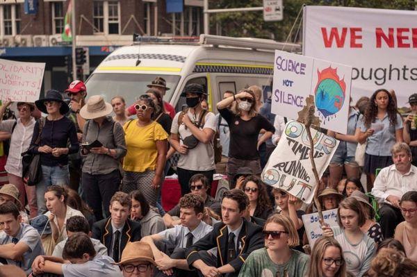 Manifestations à Sydney devant le siège du parti conservateur, grève pour le climat