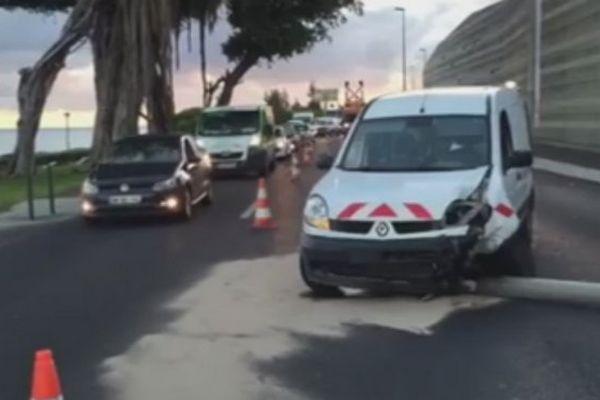Accident front de mer de Saint-Denis