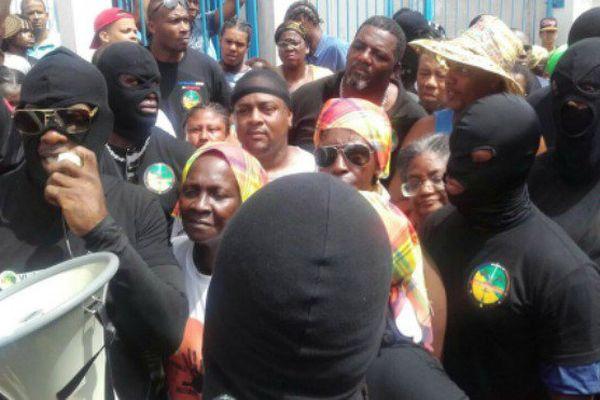 Libération des membres des «500 frères » et « Trop Violans » après 6h de garde à vue