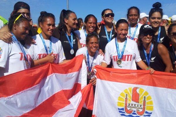 La sélection tahitienne de va'a pehdant les championnats du monde 2014 à Rio
