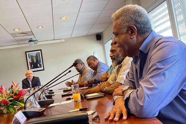 Election du président du gouvernement, 2 mars, Louis Mapou