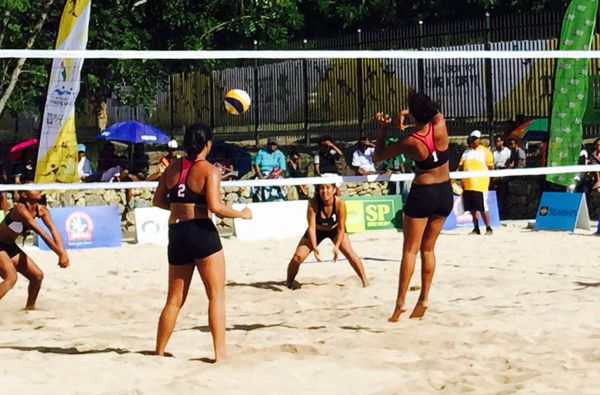 Beahc Volley Femmes Tahiti PNG 15