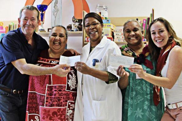 Remise de chèques après la campagne de dons des Petits pansements du coeur 2018