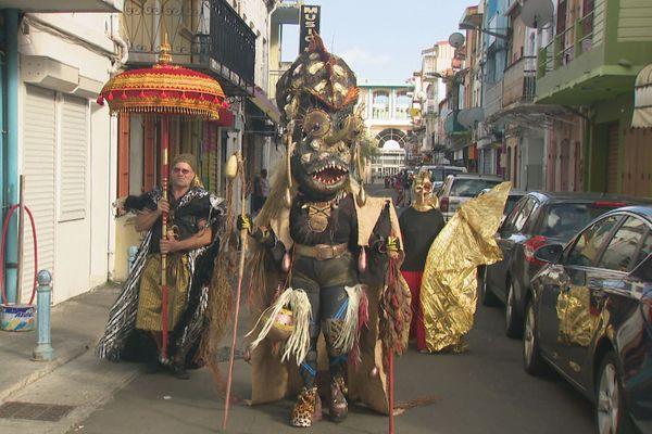 Passionnée de costumes pour le carnaval