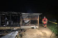 Incendie au quartier informel Chekepati à Saint-Laurent