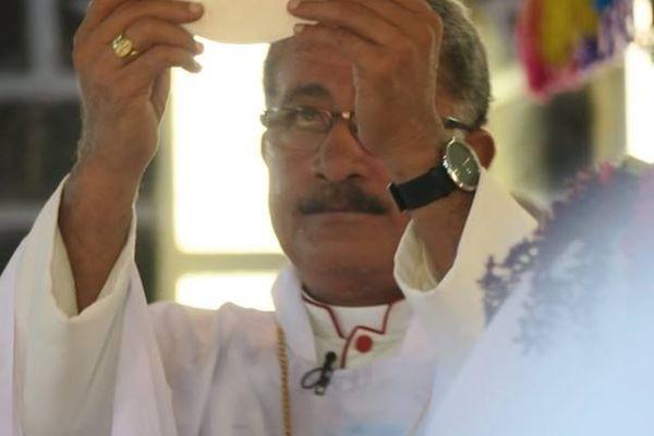 ordination épiscopale mgr Susitino Sionepoe