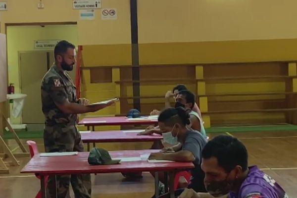 L'armée recrute des jeunes à Bora