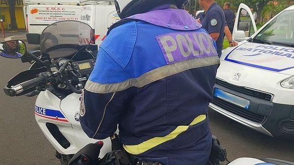 Contrôle de police au Port mars 2020