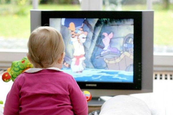 bébé et son écran
