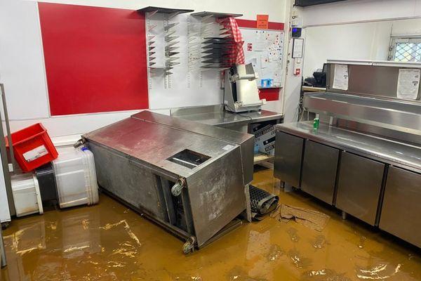 pizzeria inondée paita