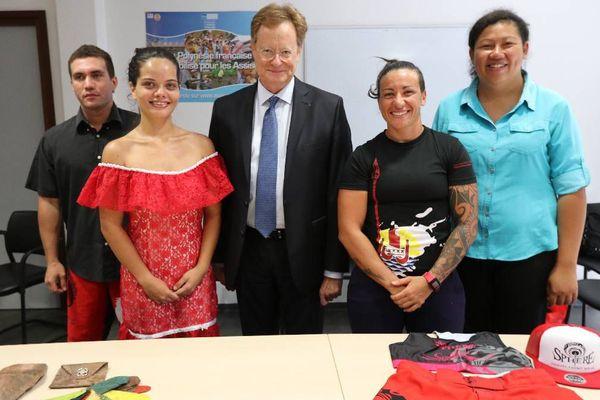 Le Haut Commissaire a félicité quatre jeunes ayant pu monter leur entreprise grâce au micro crédit