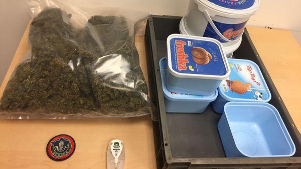 La drogue était dissimulée dans des boites en plastique