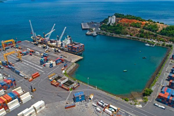 port de Logoni