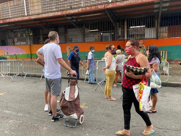 Le retour des consommateurs au marché central de Cayenne