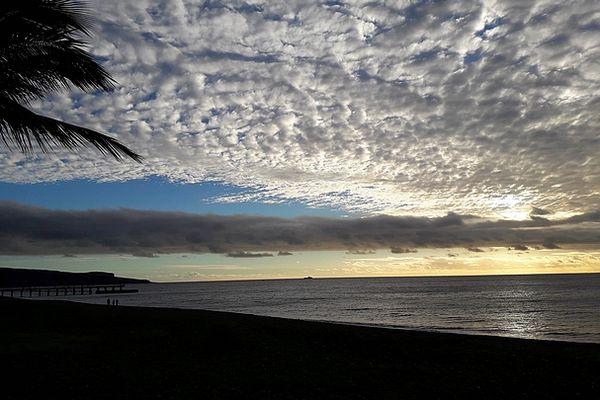 Ciel en baie de Saint-Paul 7 juin 2021