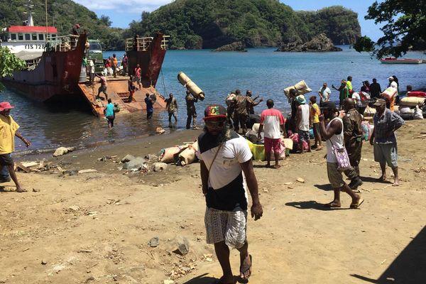 Evacuation d'Ambae éruption du Lombenben début octobre 2017