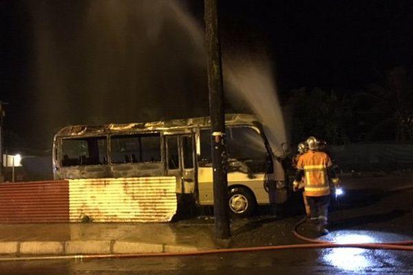 bus incendié