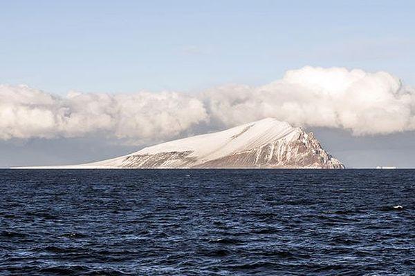 Antartique : L'île Beaufort dans la mer de Ross