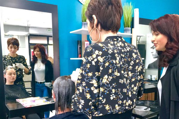 Apprentissage Cindy Lauret coiffeuse et son maître de stage