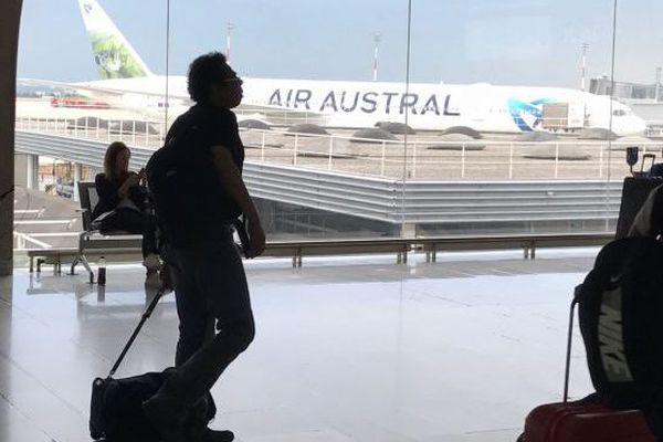 avion d'air austral à paris