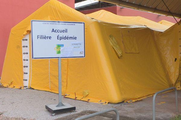 Installation de tentes au Char