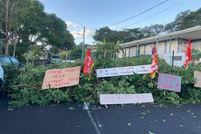 Le site du Campus Caribéen des Arts situé à l'Ermitage (ex-hôpital civil à Fort-de-France), bloqué dès 4h du matin, lundi 25 janvier 2021.