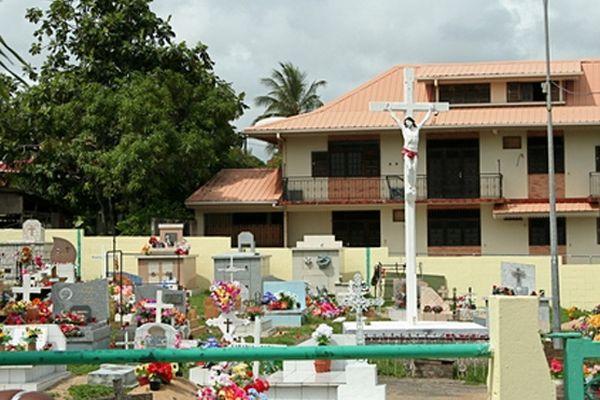 Le cimetière saturé de Cayenne