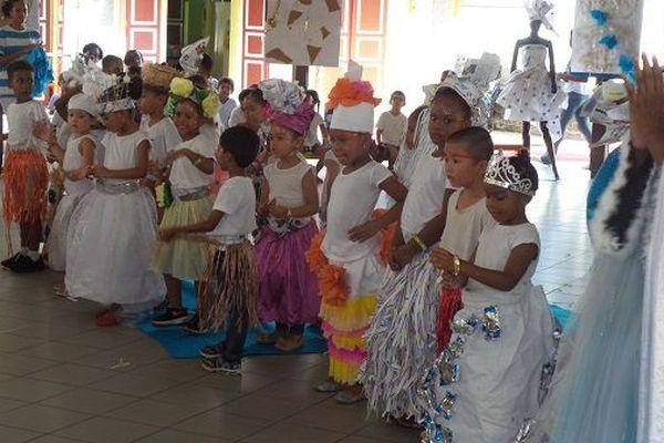 Les enfants de Joséphine Horth lors de leur défilé de fin d'année