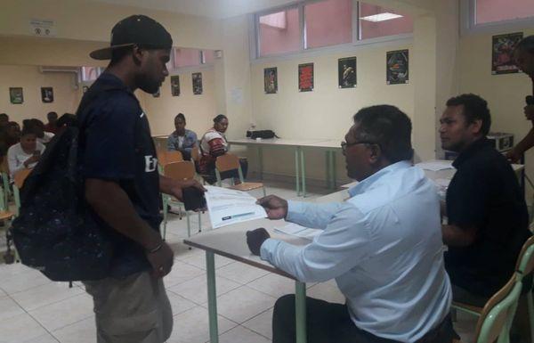 Etudiants billets d'avion province des Iles