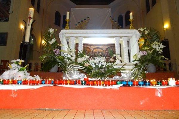 Recueillement à la cathédrale Saint-Sauveur