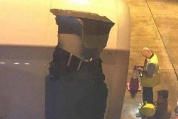 L'enveloppe du réacteur déchirée