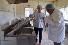 Inspection de la cantine de l'hôpital de Futuna