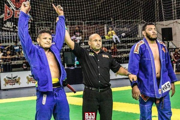 Tyron Gonsalves: champion du monde -94kg de jiu-jitsu brésilien 2016