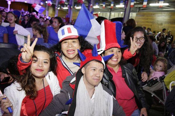 Fan Zone sous la halle de Saint-Joseph. Euro 2016